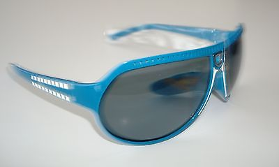 De Stunna 2 Shades Blue and White side